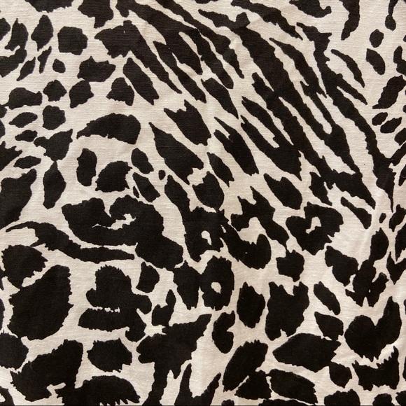 NWT Women Scrubs TOP Only Bobbie Brooks Multi-Color Leopard//Cheetah Animal Print